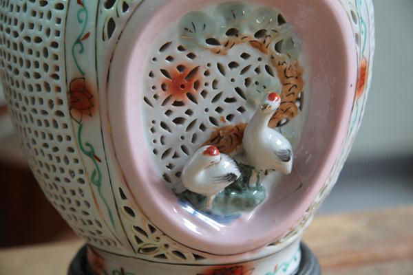 清朝瓷雕花瓶對-9