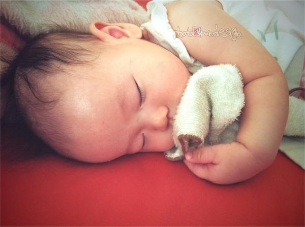 驚見!撩人的睡姿 趴2~Thor抱著好朋友側睡[拍攝日:2011:8:23]-01.jpg
