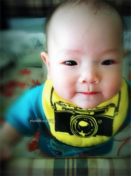 小baby專用徠卡相機...cheese~Thor的小圍兜兜 [拍攝日:2011:10:25]-02.jpg