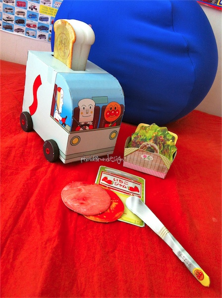 Todd的日文兒童雜誌爸媽勞作:麵包超人烤麵包機-02.jpg