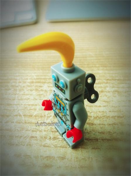 Todd的傑作:香蕉機器人『LEGO minifigures』
