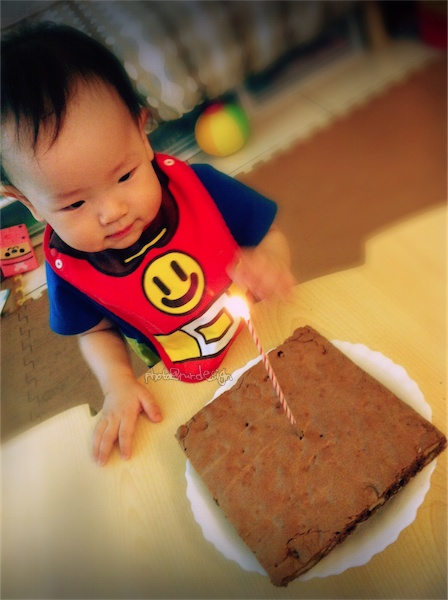 Thor一歲了~布朗尼生日蛋糕-01