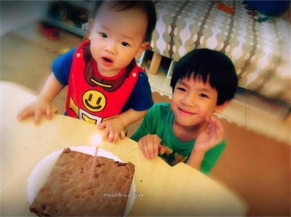 Thor一歲了~布朗尼生日蛋糕-03