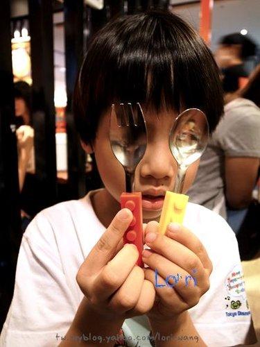 新鹹蛋超人~Todd的樂高餐具[拍攝日:2012:7:7]