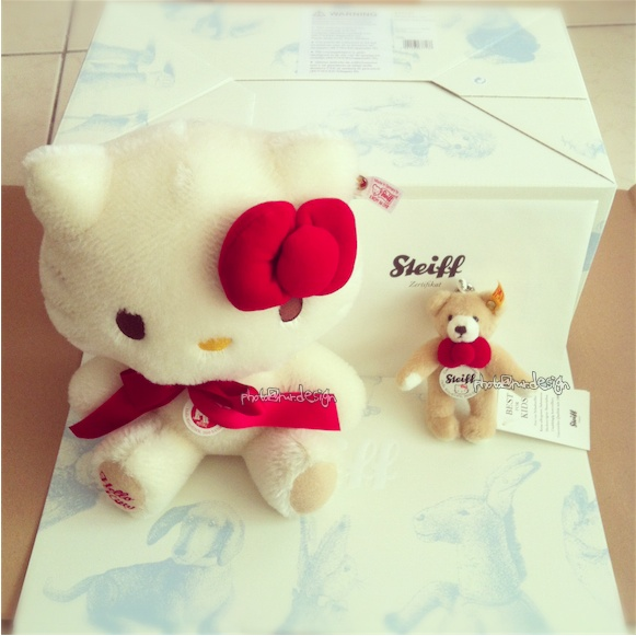 Steiff x Hello Kitty 【STEIFF限量版泰迪熊】