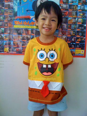 Todd的新衣服~SpongeBob海綿寶寶短袖衣服01-M30.jpg