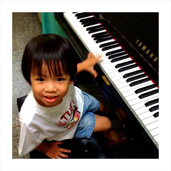 天才迷你鋼琴手~ Todd02
