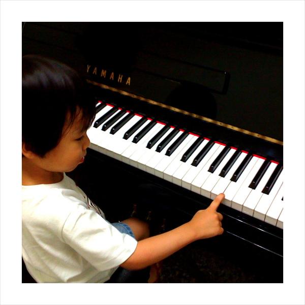 天才迷你鋼琴手~ Todd04