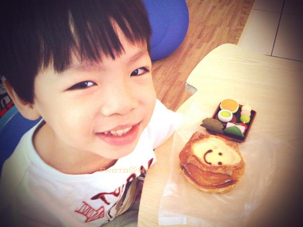 todd的早餐~布丁麵包+和菓子[賞味日2010:10:28]02.jpg