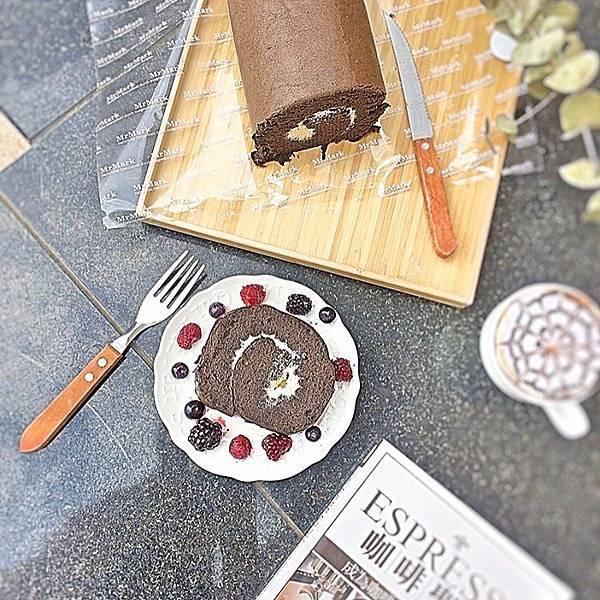 _tinatsai_巧克力燕麥豆漿蛋糕捲.jpg