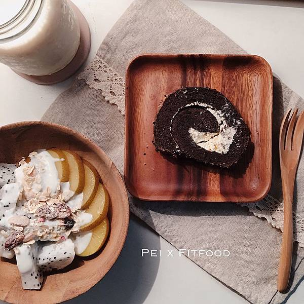peixfitfood_巧克力燕麥豆漿蛋糕捲.jpg