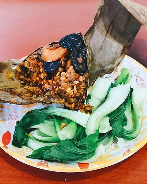 eat.ing.19_薑黃蕈菇木耳十穀粽.jpg