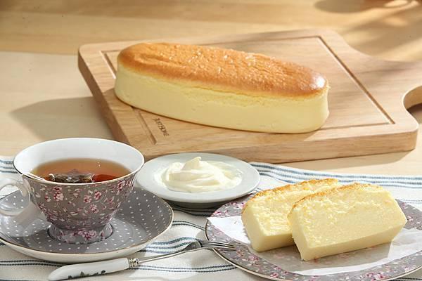 170704_馬可先生_長條乳酪蛋糕+茶飲.JPG