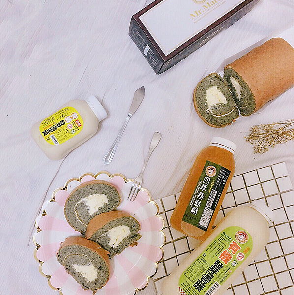 IG-yunasiao43_芝麻燕麥豆漿蛋糕捲+有機發芽濃豆漿-01.png