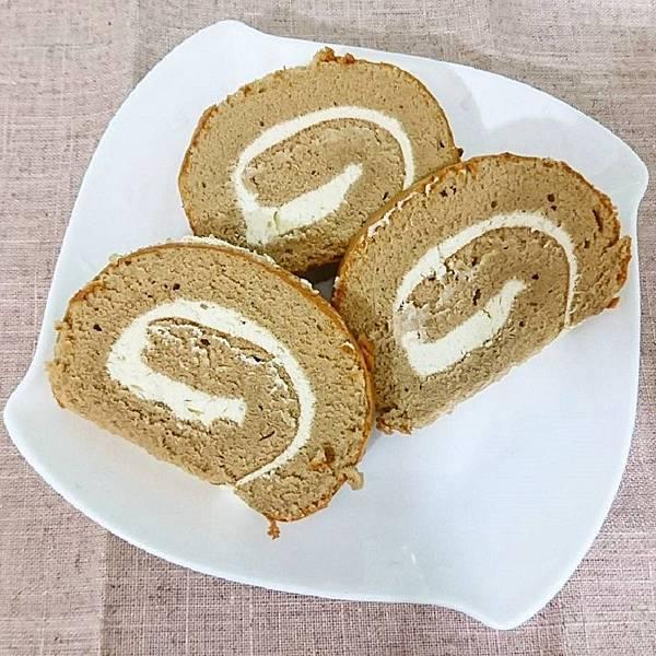 eat.ing.19_咖啡燕麥豆漿蛋糕捲-01.jpg