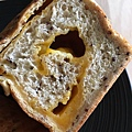 馬可先生-紅藜麥乳酪雜糧土司-05.jpg