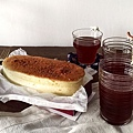 IG-coffee_food-帕瑪森鹹乳酪起士蛋糕+馬可先生台灣好茶-古早味紅茶-經典紅茶-01.jpg