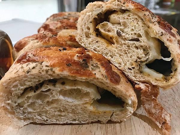 IG_kaohsiung_foodie_emilie-馬可先生雜糧麵包-起士系列麵包-03.jpg