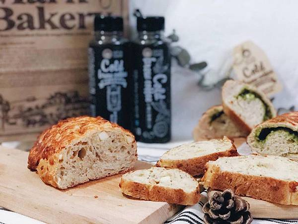 IG_pinky2823-馬可先生雜糧麵包-起士系列麵包+馬可先生冷萃黑咖啡-02.jpg