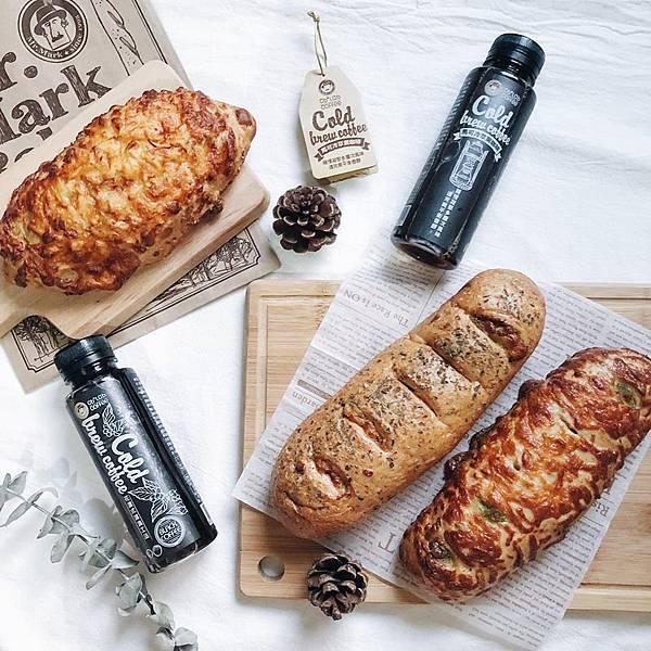 IG_pinky2823-馬可先生雜糧麵包-起士系列麵包+馬可先生冷萃黑咖啡-09.jpg