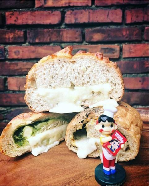 IG_wu_big_big-馬可先生雜糧麵包-起士系列麵包-04.jpg
