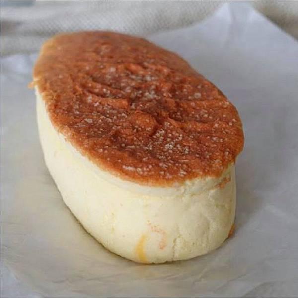 IG_huang.ping_-帕瑪森鹹乳酪起士蛋糕-01 (1).jpg