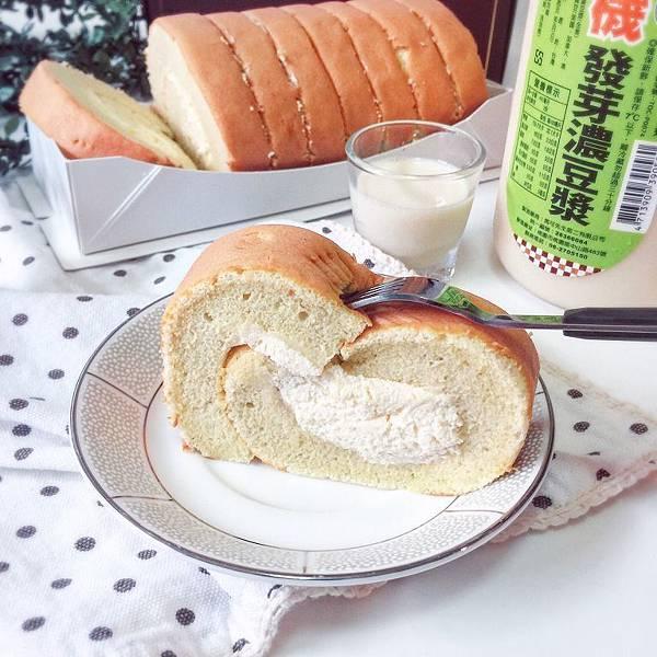 IG_gia_young-原味燕麥豆漿蛋糕捲+馬可先生有機發芽濃豆漿-02.jpg