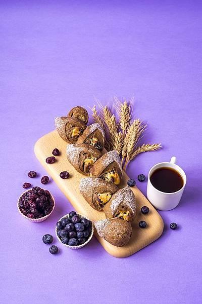 【新品上市】馬可先生-裸麥野莓雜糧麵包- (1).jpg