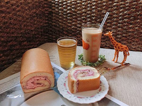 IG-coffee_food-玫瑰天使麥豆漿蛋糕捲+台灣好茶-伯爵鮮奶茶+四季春烏龍 (4).jpeg