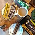 IG_jimboleecc-黑麥雜糧捲禮盒伴手禮(咖啡口味-巧克力口味)+馬可先生台灣好茶系列-檸檬奇亞籽+伯爵鮮奶茶-01.jpg