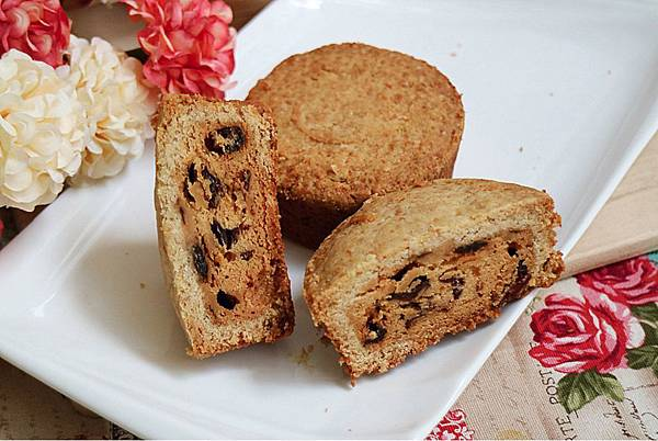 Blog-幸福菓子-2018馬可先生-雜糧月餅禮盒-開箱照片-紅莓奶酥.jpg