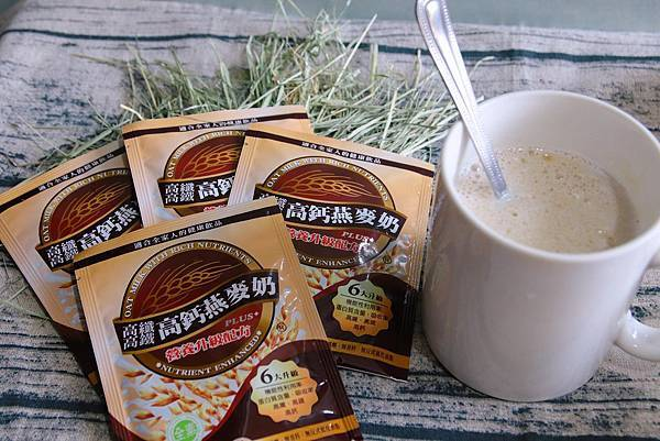 IG-kaohsiung_foodie_emilie_馬可先生2019農曆新年春節推薦商品-高纖高鈣高鐵燕麥奶-開箱產品圖.jpg