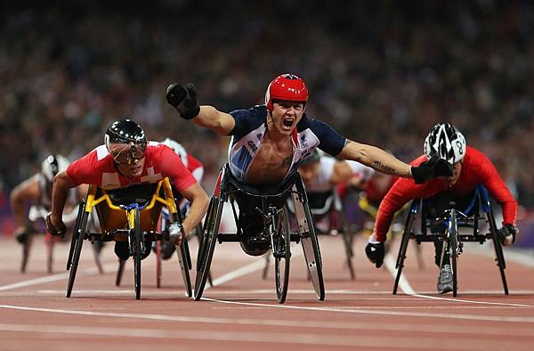 英國 David Weir 在男子 800 公尺輪椅競速 - T54決賽