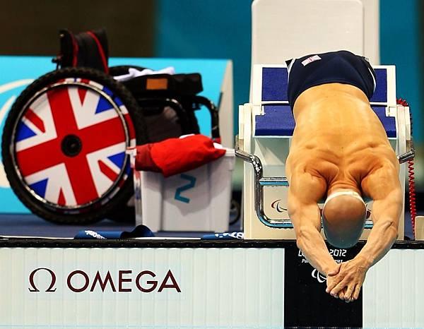 英國 James O'Shea 在男子100公尺蛙式入水- SB5 決賽