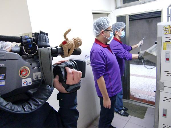 公共電視採訪「北歐先生庇護工場」側拍-03