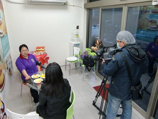 公共電視採訪「北歐先生庇護工場」側拍-04
