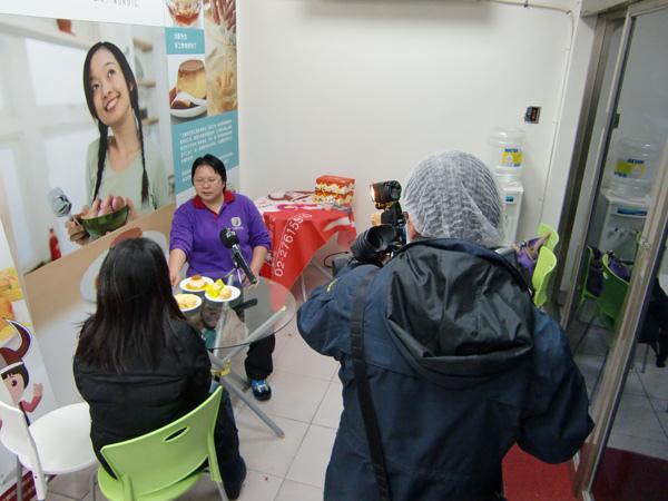 公共電視採訪「北歐先生庇護工場」側拍-05