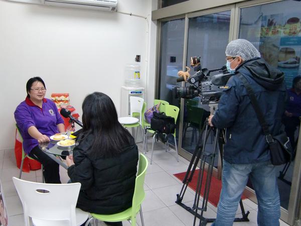 公共電視採訪「北歐先生庇護工場」側拍-08