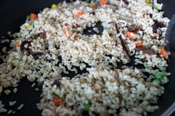 蔥媽媽美食生活館:{宅配美食}蔥媽媽美食生活館!~養生高纖糙米熟飯料理包.輕鬆料理烹煮.健康美味!