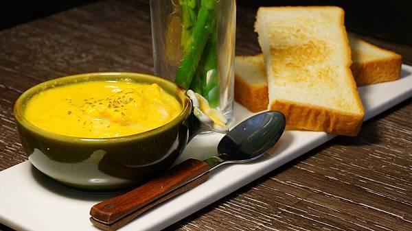 南瓜鮪魚湯1