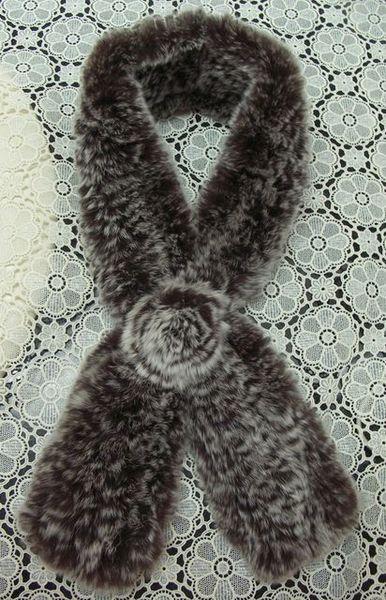 戰利品-獭兔毛玫瑰花圍巾