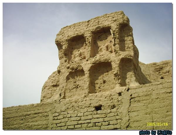 吐魯番交河故城大佛寺~千年後的風化~