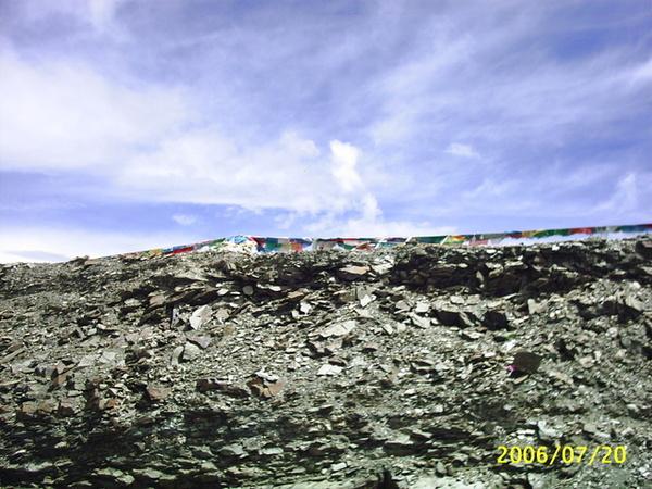 岡巴拉山頂風馬旗-1.JPG