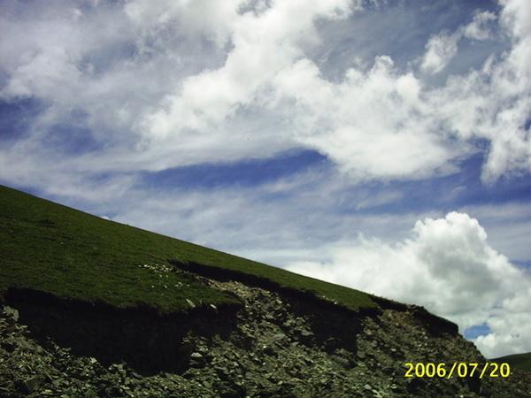 沿著雅魯藏布江峽谷登上岡巴拉山.JPG