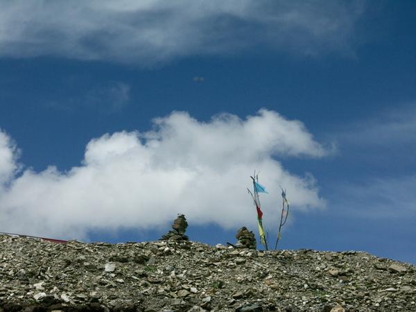剛巴拉山頂的風馬旗-1.JPG