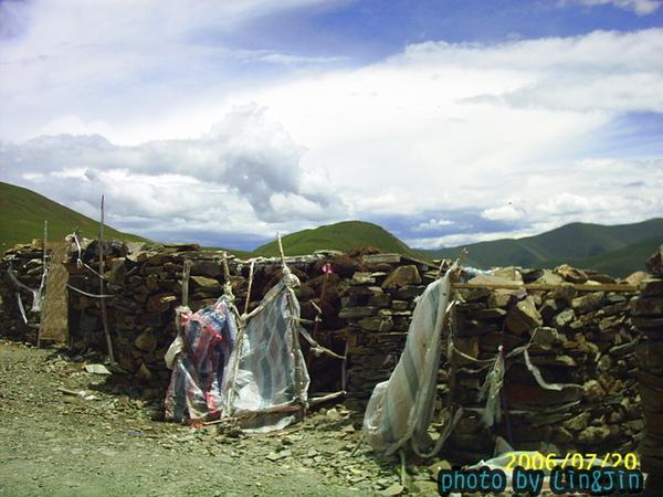 剛巴拉山頂的廁所-3.JPG