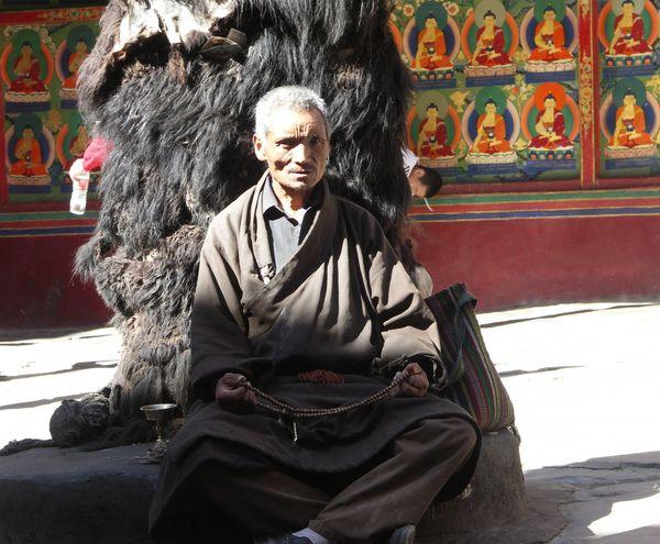 札什倫布寺修行的僧人