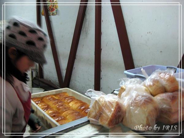 華梅西餐廳麵包.jpg