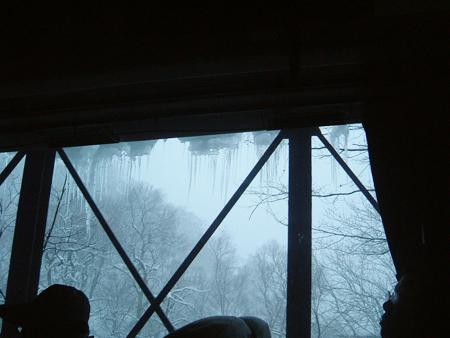 橋上溶化的雪