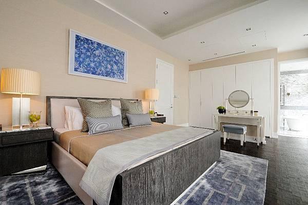 8_bedroom
